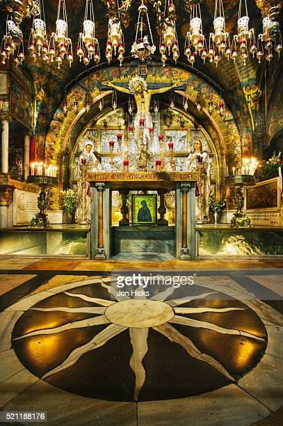 interior of the church of the holy sepulchre - stations of the cross stock pictures, royalty-free photos & images