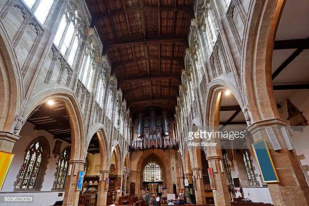 interior of the church of the holy trinity - ストラトフォード・アポン・エイボン ストックフォトと画像