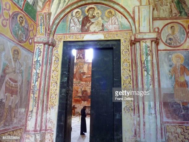 interior of the church of the nativity of the virgin, gelati monastery, georgia - frans sellies stockfoto's en -beelden