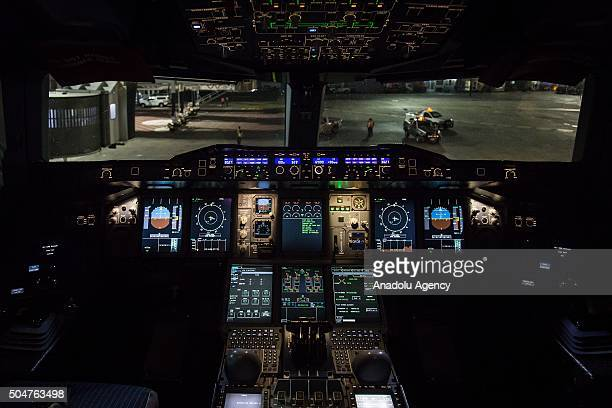 Interior of the cockpit of the Airbus A380 during the arriving to the Mexico City International Airport 'Benito Juarez' in the first flight of this...