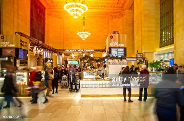 interior of the grand central station or grand central station in manhattan, new yor city - grand central station manhattan - fotografias e filmes do acervo