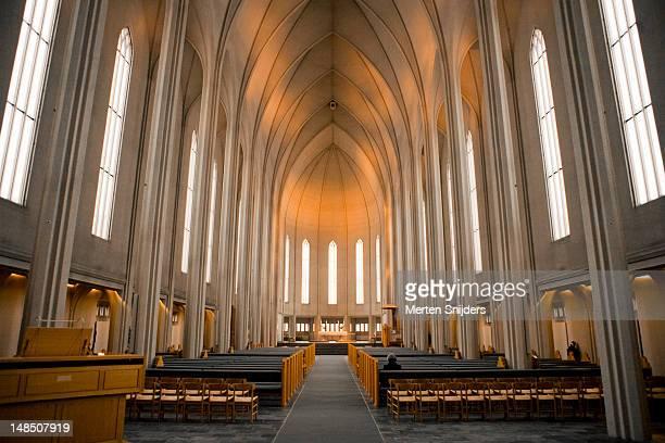 interior of the hallgrims church. - merten snijders stockfoto's en -beelden