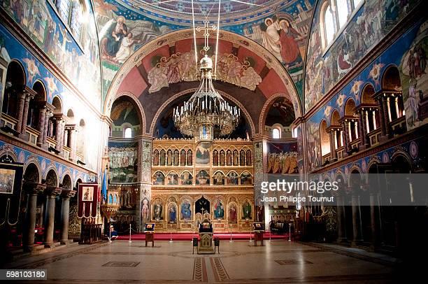 interior of the holy trinity cathedral of sibiu, transylvania, europe - sibiu stock-fotos und bilder