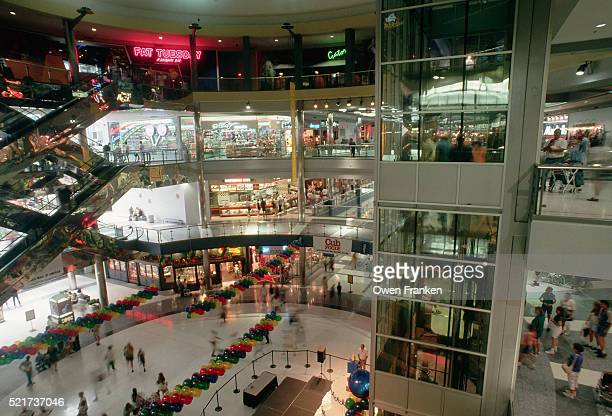 interior of the mall of america - minnesota stock pictures, royalty-free photos & images