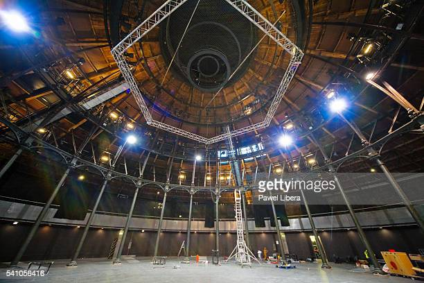 interior of the roundhouse theatre in london - camden london stock pictures, royalty-free photos & images