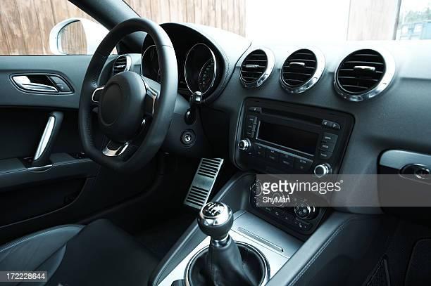 Interior del coche deportivo