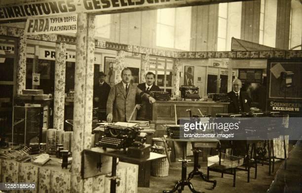Interior of the store 'Kontor-Einrichtungs-Gesellschaft Schreibmaschinen Moderne Büromöbel', stationary and typewriters shop, in Vienna. About 1930....