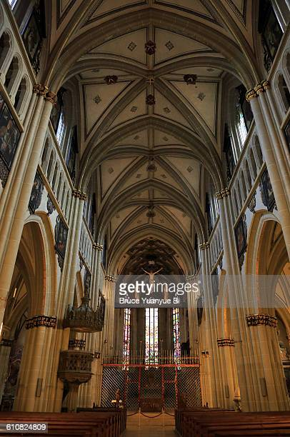 interior view of fribourg cathedral - フリブール州 ストックフォトと画像