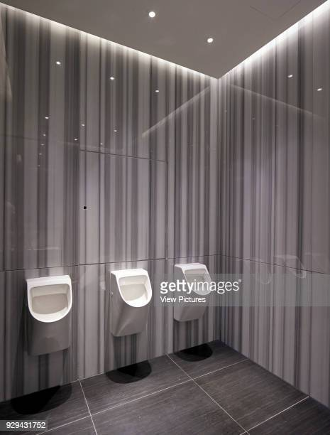 240 Men Toilet Mirror Photos And Premium High Res Pictures Getty Images