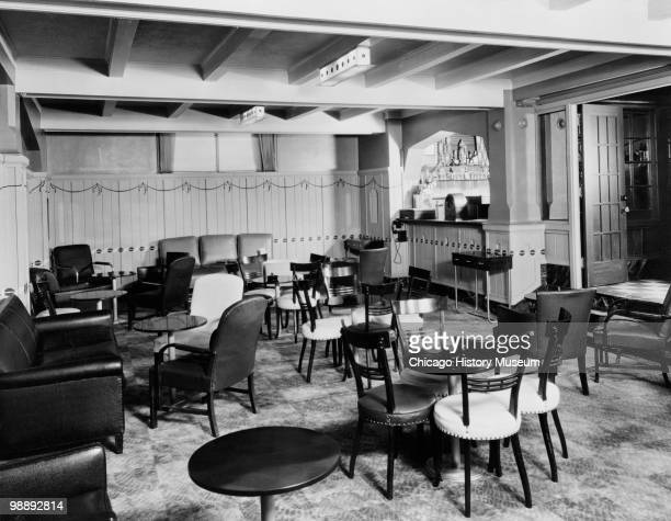 Interior view of the Blackstone Hotel, showing the dining room, Omaha, NE, 1941. The hotel was located at 302 South 36th Street.