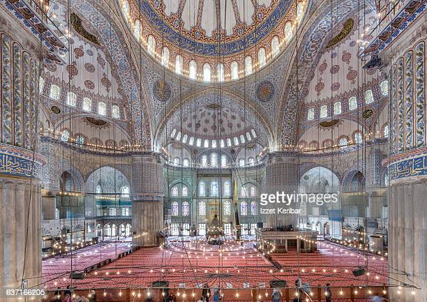 interior view of the blue mosque,istanbul,turkey - ottomaanse rijk stockfoto's en -beelden