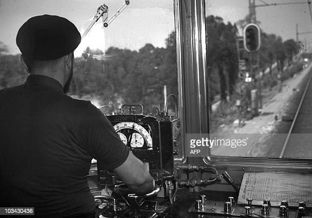 Interior view taken 07 August 1938 of the conducting cabine of the selfpropelled locomotive of the railway line RambouilletParis The Société...