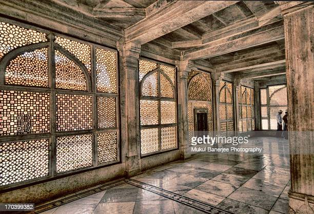 interiors of salim chisti's tomb, fatehpur sikri - fatehpur sikri stock pictures, royalty-free photos & images