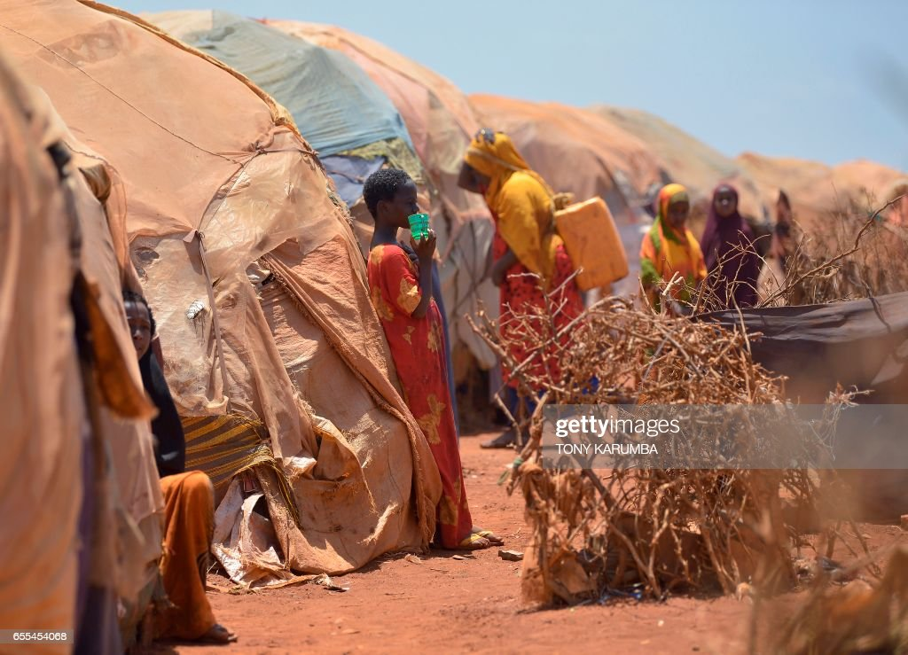 TOPSHOT-SOMALIA-CONFLICT-DROUGHT-FAMINE : News Photo