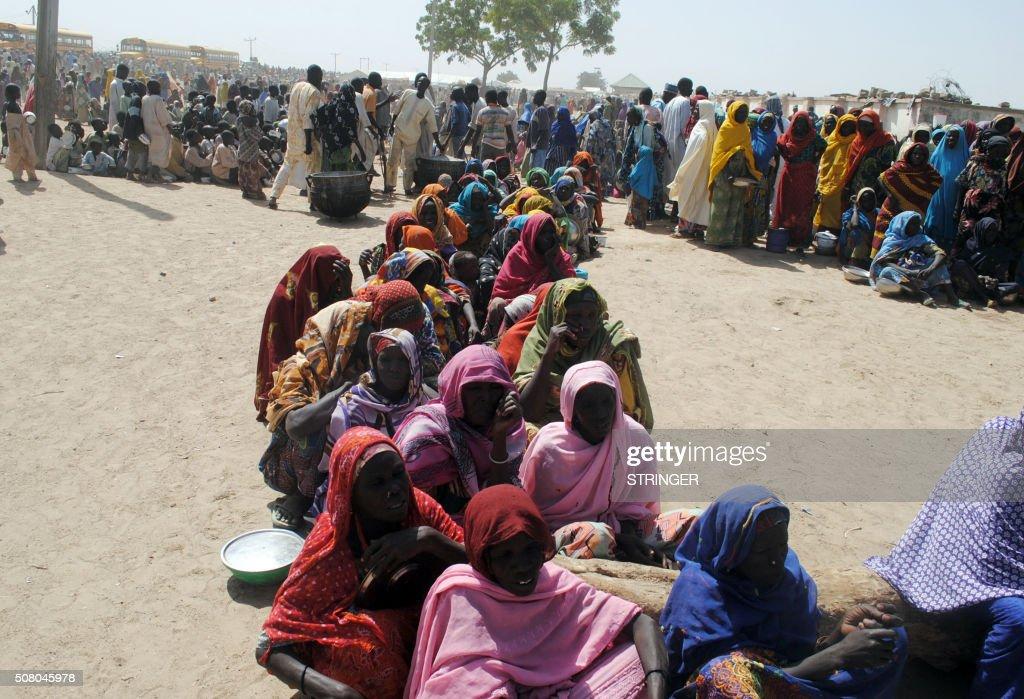 TOPSHOT-NIGERIA-UNREST-ISLAMISTS-DIPLACED : News Photo