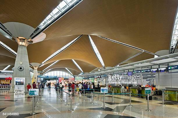 KL International airport, the interior