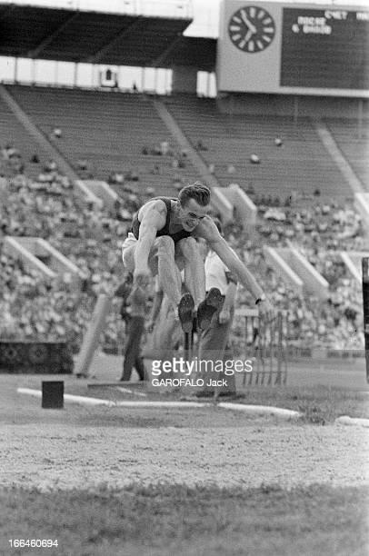 International Athletics Championship In Moscow Moscou 29 juillet 1958 Lors du match international d'athlétisme au stade Lénine l'athlète Russe Vasily...