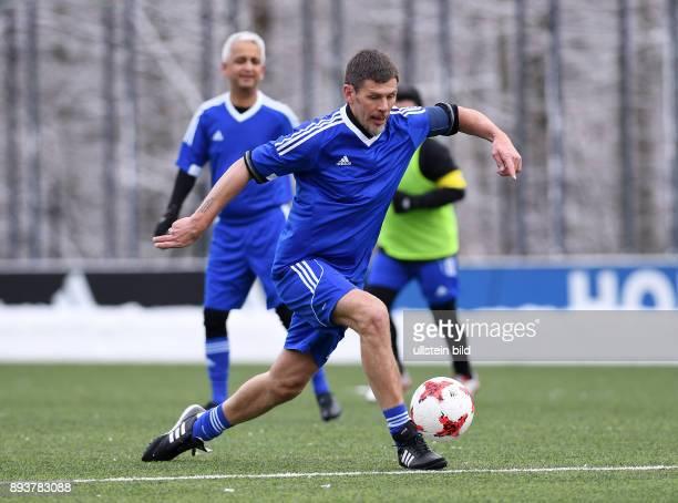 International beim Home of FIFA Legends Game 2017 FIFA stellvertretender Generalsekretaer Zvonimir Boban am Ball