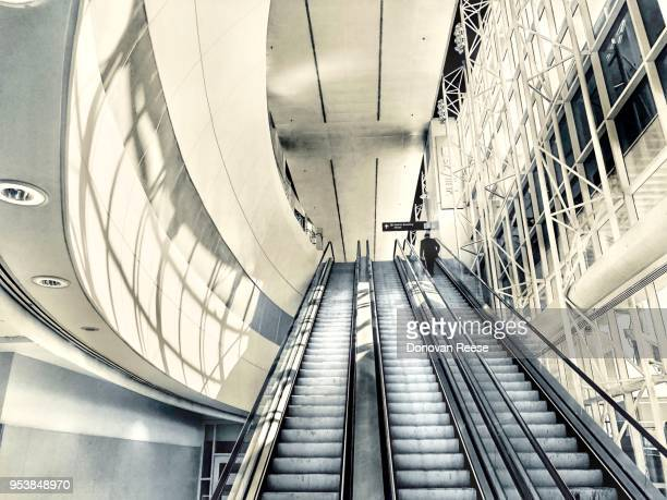 international business travel. d-fw airport. texas - dallas fort worth airport stock pictures, royalty-free photos & images