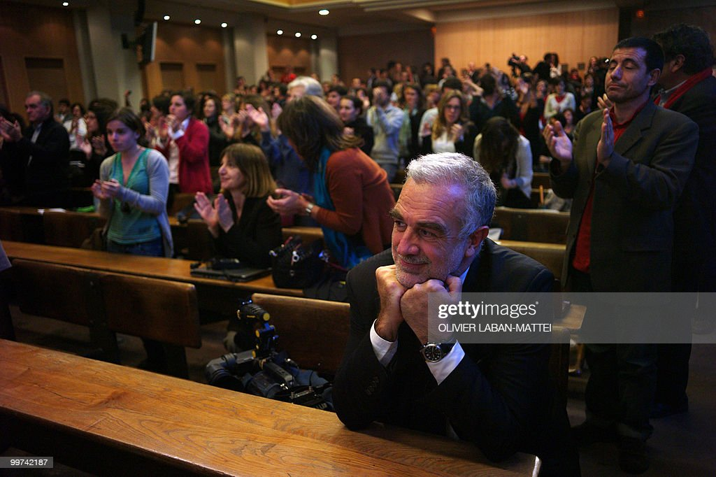 International Criminal Court (ICC) chief prosecutor Luis Moreno-Ocampo (2nd R) listens to Spanish judge Baltasar Garzon as he delivers a speech during an award ceremony for the Rene Cassin Freedom and Democracy prize at Sciences Po Paris (Institute of Political Studies), on May 17, 2010. Garzon was suspended from his post on May 14, 2010 ahead of his trial for abuse of power linked to a probe of Franco-era crimes.