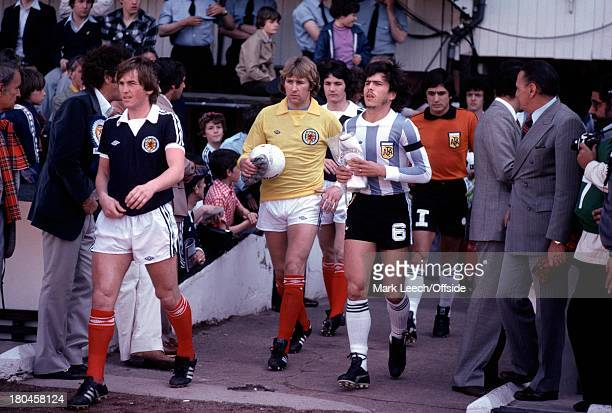 International Football FriendlyScotland v ArgentinaKenny Dalglish leads out the Scotland team followed by Alan Rough and George BurleyDaniel...