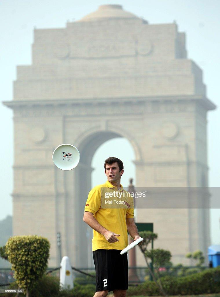 Frisbee Player : News Photo