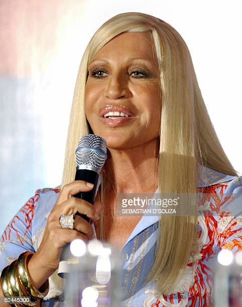 International high fashion icon Donatella Versace addresses a press conference in Bombay18 March 2005 The Italian fashion designer Donatella Versace...