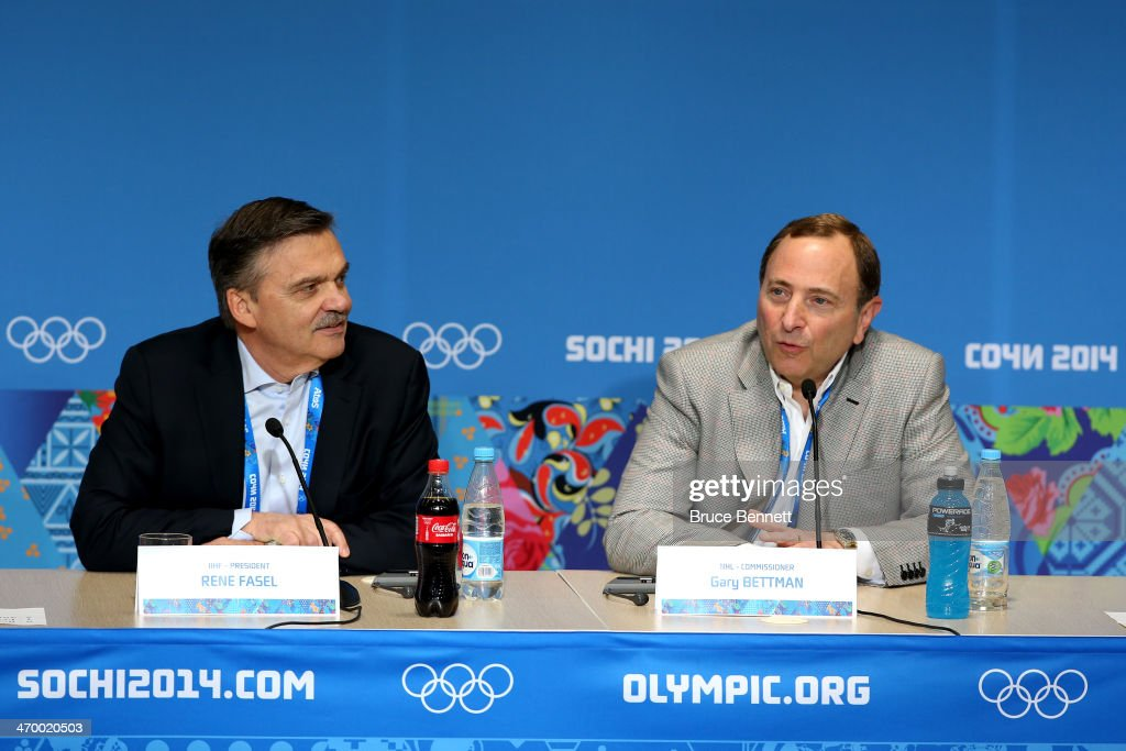 Around the Games: Day 11 - 2014 Winter Olympic Games : News Photo