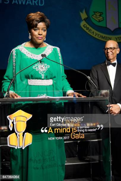 International President of the Alpha Kappa Alpha Sorority Dorothy Buckhanan Wilson receives the Presidents Award at the UNCF New York Gala Dinner on...