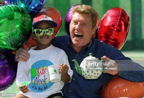 International singer and performer Michael Crawford and fouryearold Joshua Haines from London during a tea party after a special performance of...