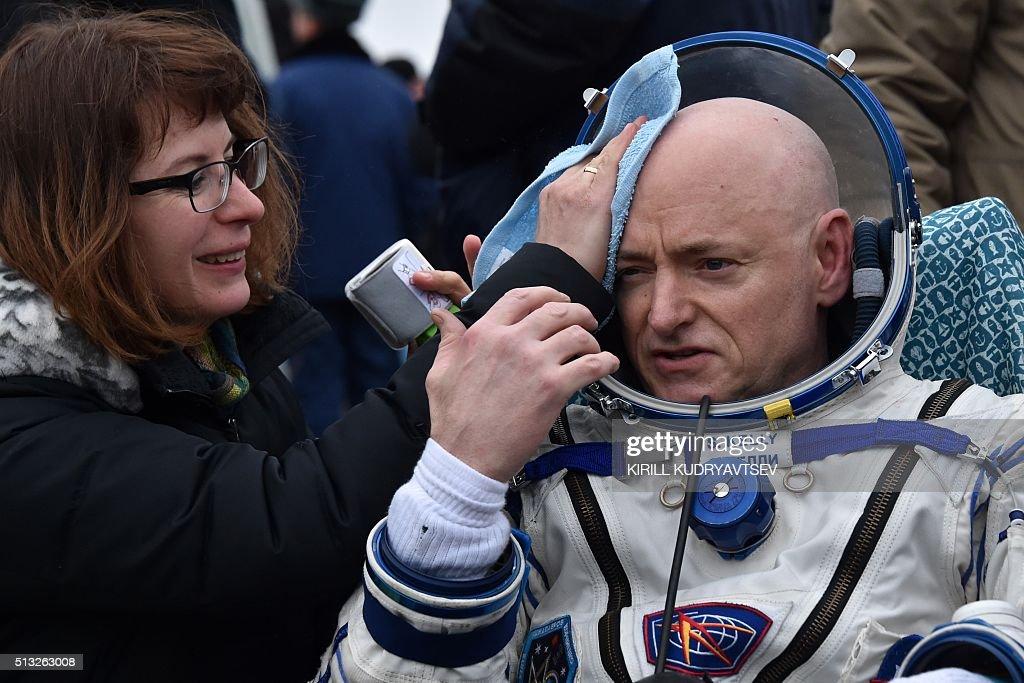 KAZAKHSTAN-RUSSIA-US-SPACE-ISS-LANDING : News Photo
