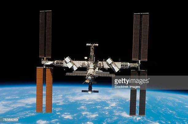 international space station - space station stock pictures, royalty-free photos & images