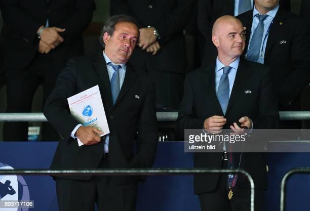 FUSSBALL International UEFA U21EUROPAMEISTERSCHAFT 2015 FINALE in Prag Schweden Portugal Siegerehrung UEFA Praesident Michel Platini und...