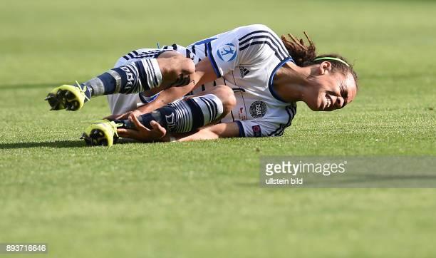 FUSSBALL International UEFA U21EUROPAMEISTERSCHAFT 2015 GRUPPENPHASE in Prag Tschechische Republik Daenemark Yussuf Poulsen verletzt am Boden
