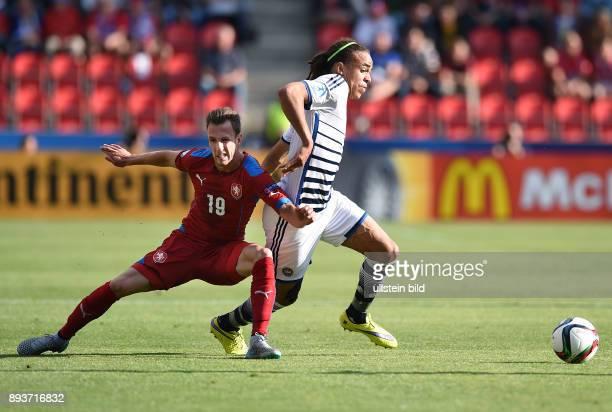 FUSSBALL International UEFA U21EUROPAMEISTERSCHAFT 2015 GRUPPENPHASE in Prag Tschechische Republik Daenemark Yussuf Poulsen gegen Matej Hybs