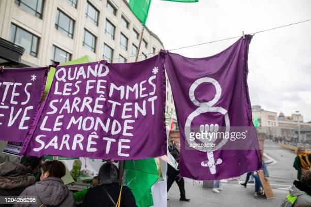 internationale vrouwendag in brussel, belgië - internationale vrouwendag stockfoto's en -beelden