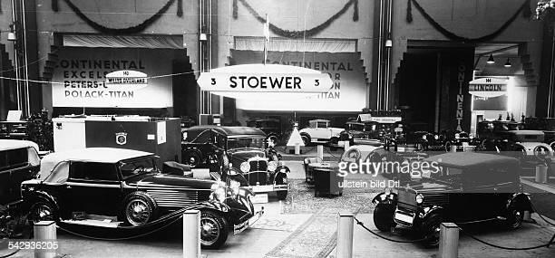 Internationale Automobilausstellung Berlin 1931 Messestand von Stoewer der die StoewerAchtzylinder präsentiert 1931Foto Atelier Badekow