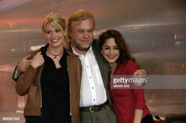 50 Internationale Filmfestspiele in Berlin Nach der Aufführung des Films 'Myrkrahöfdinginn ' der Regisseur Hrafn Gunnlaugsson und die...