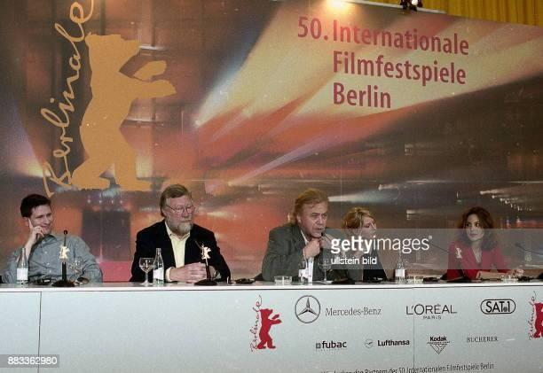 50 Internationale Filmfestspiele in Berlin Pressekonferenz zu dem Spielfilm 'Myrkrahöfdinginn ' vl der Schauspieler Hilmir Snaer Gudnason NN...