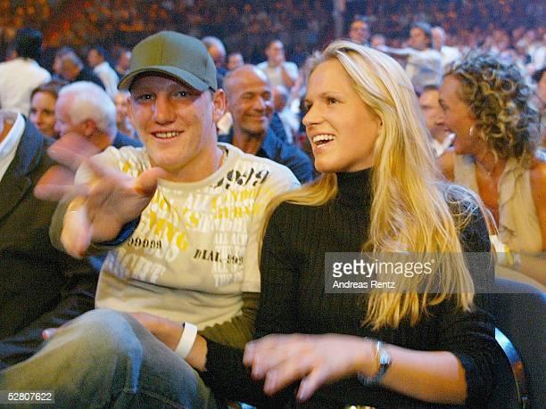 Internationale Meisterschaft 2003 Schwergewicht Muenchen Wladimir KLITSCHKO Fabio MOLI Bastian SCWEINSTEIGER mit seiner Freundin