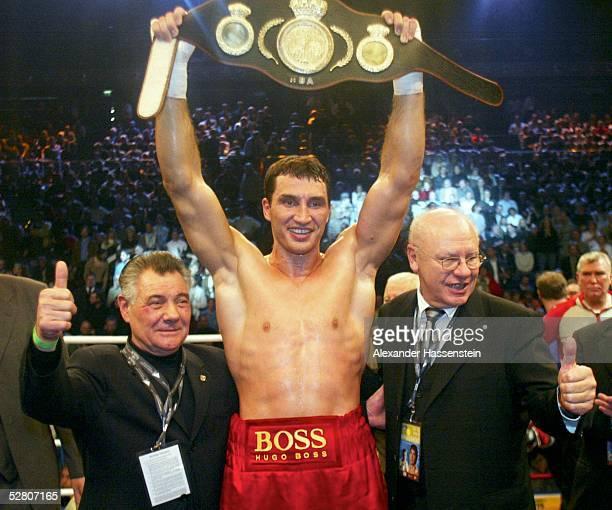 WBA internationale Meisterschaft im Schwergewicht 2003 Kiel Wladimir KLITSCHKO/UKR Danell NICHOLSON/USA Sieger Wladimir KLITSCHKO/UKR KlausPeter KOHL