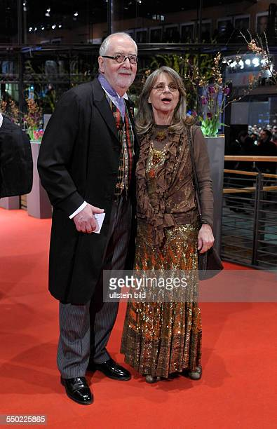 Schauspielerin Cornelia Froboess und Helmut Matiasek anlässlich der Premiere des Abschlußfilms Otouto der 60 Internationalen Filmfestspiele in Berlin