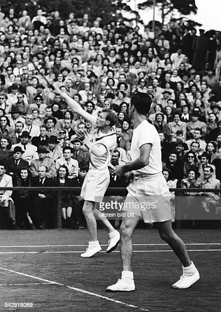 Internationales Pfingstturnier auf der Anlage des Tennisvereins RotWeiss Berlin in Berlin Grunewald Herrendoppel Lennart Bergelin und Sven Davidson...