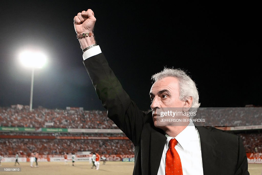 International's head coach Jorge Fossati