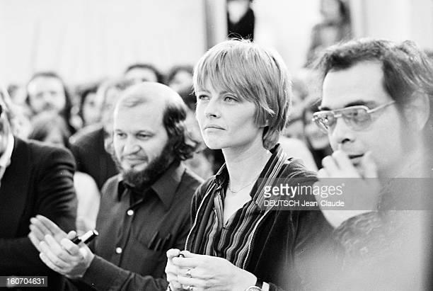 Internatonal Festival Of Comic Strip Angouleme Angoulême 28 Janvier 1974 Lors du festival de la bande dessinée portrait de Claire BRETECHER et Marcel...