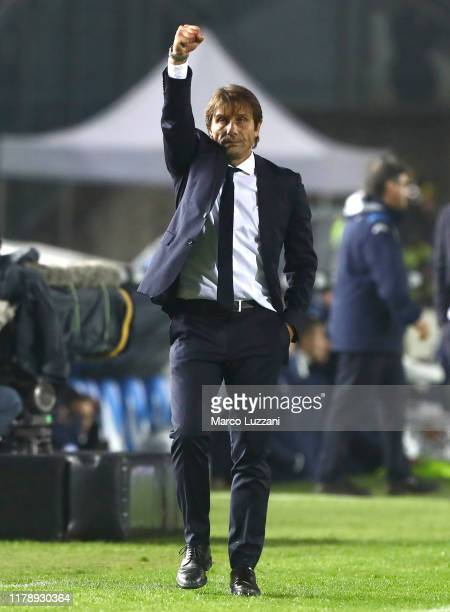 Internazionale coach Antonio Conte celebrates a victory at the end of the Serie A match between Brescia Calcio and FC Internazionale at Stadio Mario...