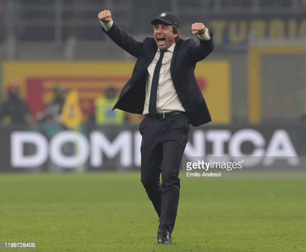 Internazionale coach Antonio Conte celebrates the victory at the end of the Serie A match between FC Internazionale and AC Milan at Stadio Giuseppe...