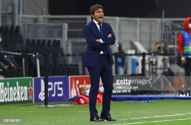 Internazionale coach Antonio Conte shouts to his players during the UEFA Champions League Group B stage match between FC Internazionale and Borussia...