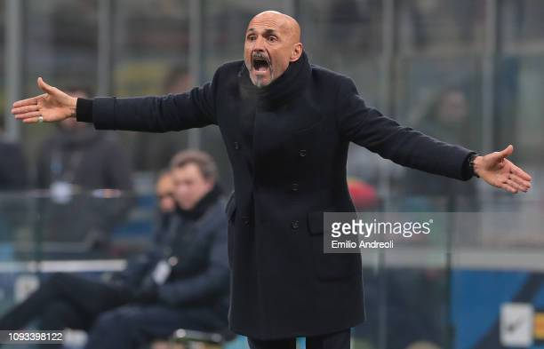 Internazionale coach Luciano Spalletti gestures during the Serie A match between FC Internazionale and Bologna FC at Stadio Giuseppe Meazza on...