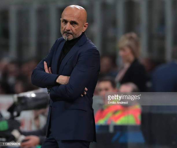 Internazionale coach Luciano Spalletti looks dejected during the Serie A match between FC Internazionale and AS Roma at Stadio Giuseppe Meazza on...